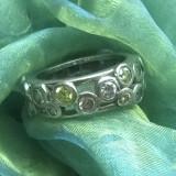 Frumos inel argint 925 cu pietre semipretioase:peridot, ametist citrin D=16.2mm