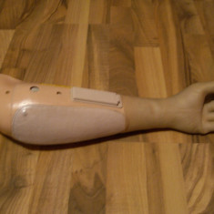 Proteza antebrat (mana) mioelectrica marca otto bock (germana)