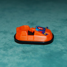 Figurina Kinder Surpris, masinuta parc distractii / cart, portocaliu 4 cm - Vehicul