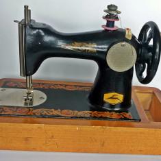 Masina de cusut - miniatura din anii 40, obiect Rar de colectie ww2