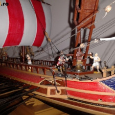 Macheta istorica trirema romana cu 16 marinari - Macheta Navala Zvezda, 1:72