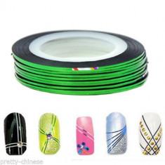 Banda decorativa pentru modele unghii de culoare verde, benzi decorative - Model unghii