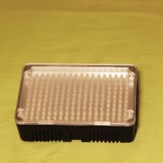Lampa foto-video cu LED