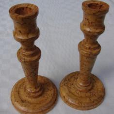 Doua sfesnice din lemn, semnate si datate 1982 - Sculptura, Europa