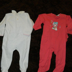 Set de doua compleuri cu picior, pijamale pentru copii, marimea 6- 9 luni, marca In Extenso, Culoare: Din imagine, Fete