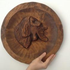 Sculptura basorelief din lemn masiv- Tema Vanatoreasca !!!, Animale, Europa