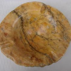 Superba scrumiera din alabastru italian