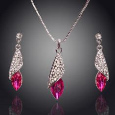 Set de bijuterii superb placat Aur 18k, Cristale : colier, cercei cod 320 - Set Swarovski