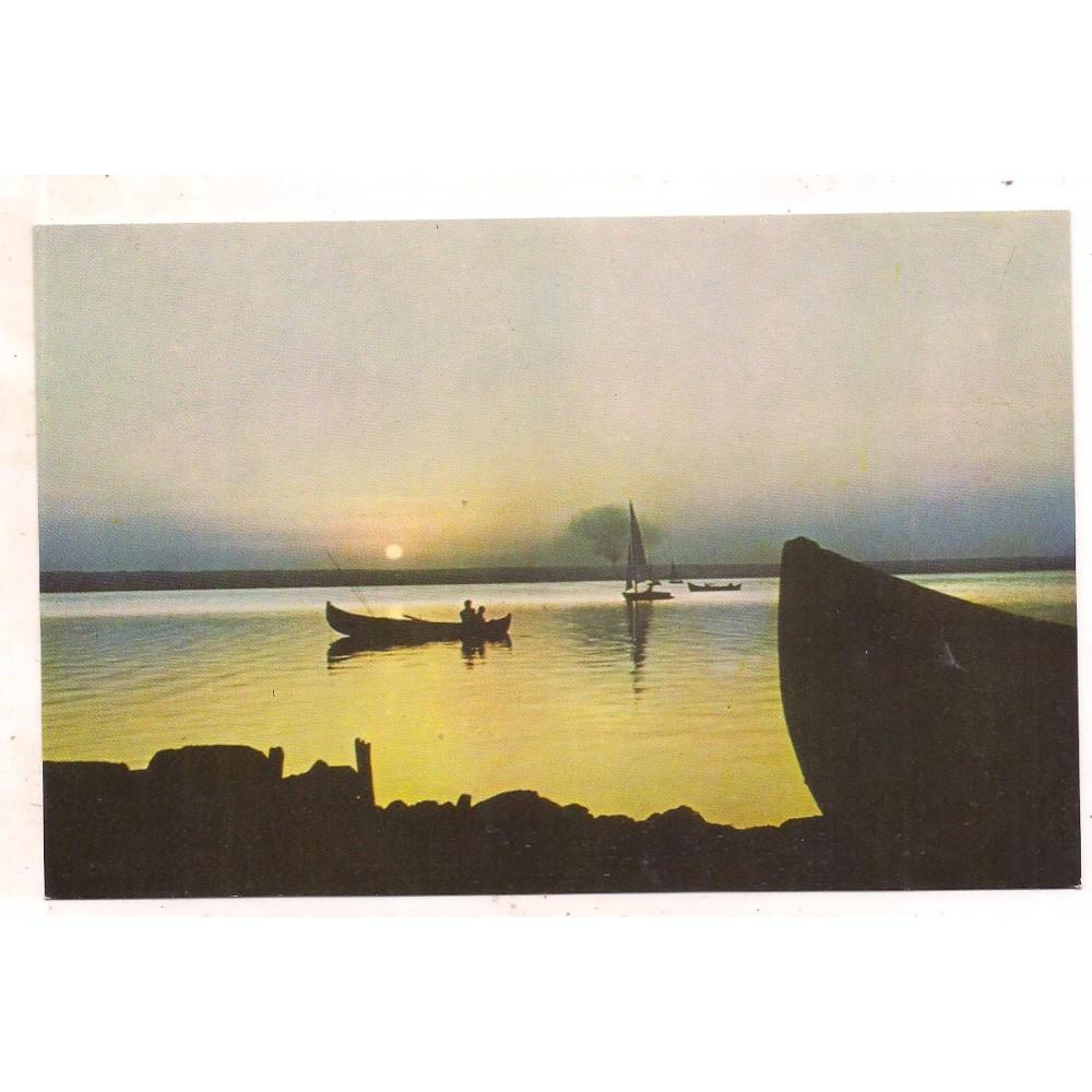 % carte postala (ilustrata)-MAMAIA -soarele rasare din mare si apune in  lacul Siutghiol