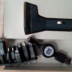 Incarcator auto universal, cu USB, pentru telefoane mobile,  diverse adaptoare