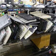 Tastaturi diverse: Fujitsu Siemens, Logitech, etc. - 24 buc. - Tastatura Logitech, Standard, Cu fir, PS 2