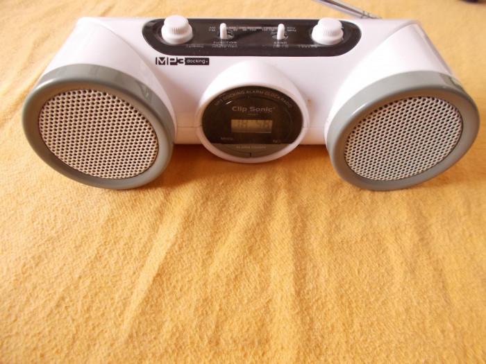 RADIO CLIP SONIC TEC 67  MP3 DOCKING ALARM CLOCK , AM-FM SI AUX .