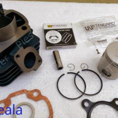 Kit Cilindru / Set motor + Segmenti + Piston Scuter Malaguti F10 / F12 / F15 / Centro / Ciak ( 80cc - racire aer - W Standard) - Set cilindri Moto