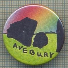 2037 INSIGNA - AVEBURY - este un monument neolitic de tip-henge format din trei cercuri de piatră, in sud-vestul ANGLIEI - starea care se vede