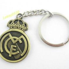 Breloc metalic REAL MADRID material foarte usor + ambalaj cadou