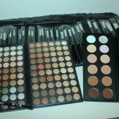 Trusa machiaj 120 culori fard ochi MAC + 12 corectoare MAC + 24 pensule makeup - Trusa make up Mac Cosmetics