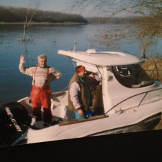 Vand barca cu motor Quicksilver Pilot House 540 + peridoc, An fabricatie: 2006, Exterior, Benzina, Numar motoare: 1, Fibra de sticla