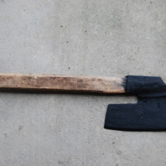 Frumoasa barda de dulgher marcata cu 3 pumnale - Metal/Fonta