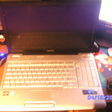 vand urgent laptop toshiba l550d placa video defecta
