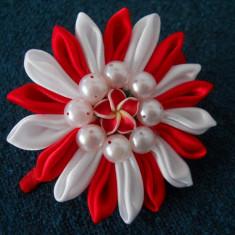 Clama de par Floare de Martie - Cadou Handmade