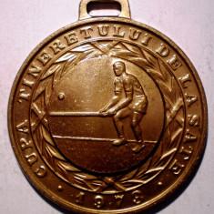 5.629 CUPA TINERETULUI DE LA SATE 1973 UTC LOCUL III OINA COMITET JUDETEAN 45mm - Medalii Romania