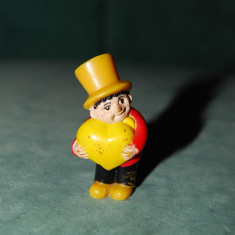 Jucarie figurina baiat cu inima, pastic, 4 cm, colectie - Figurina Povesti