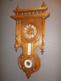 Cumpara ieftin Pendula franceza cu termometru si barometru anul 1850