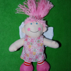 DD - Papusa din material textil umplut cu vatelina, par din ata roz, 25cm