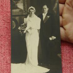 fotografie veche - portret de familie - miri - rochie de mireasa - moda de epoca !!!