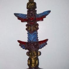 FIGURINA PLASTIC - INDIAN TOTEM, ANII '80 Fabricata in Hong Kong - Miniatura Figurina