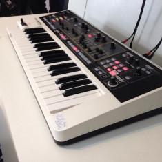 VAND ROLAND GAIA SH-01 Demo