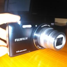 Aparat Foto Digital Fuji FinePix JZ100 + Card 8GB si Husa