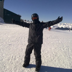 Echipament Snowboard Burton + Accesorii (Geaca, Pantaloni, Casca, Manusi, Echipament protectie, etc.)