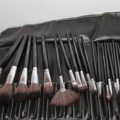 Trusa machiaj 24 pensule make up Fraulein38 + borseta depozitare pensule - Pensula machiaj