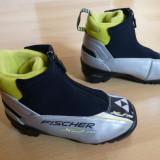 Clapari ski Fischer Sprint, Made in Indonesia; marime 29