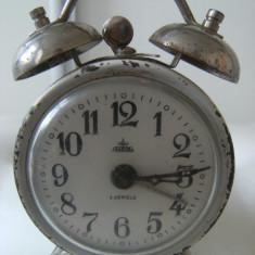 Frumos ceas de masa, Aradora, 4 jewels, functioneaza perfect, de colectie/decor. - Ceas desteptator