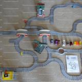 Thomas No.1 MEGA Playset - trenulete, vagoane, cladiri si 50 piese de traseu