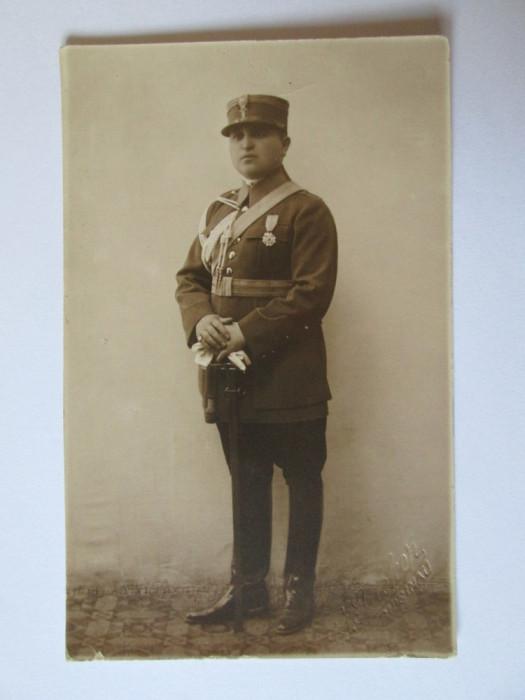 FOTOGRAFIE CHISINAU OFITER FERDINAND IN UNIFORMA DE GALA foto mare