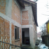 Vand urgent casa partial finisata