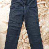 Blugi Armani Jeans Comfort Fit Made in Italy; marime 27: 64 cm talie, 94 cm lung - Blugi dama Armani Jeans, Culoare: Din imagine, Lungi