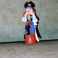 Figurina jucarie, din Kinder Surprise, pirat, Monsters & Pirates (2008), Alisea, plastic, 5.5 cm, colectie - Surpriza Kinder