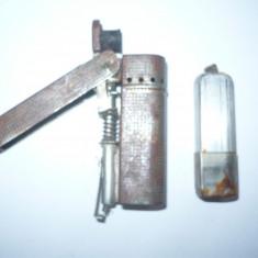 BRICHETA VECHE DE COLECTIE PE BENZINA, COMPLECTA - Bricheta de colectie, Cu benzina