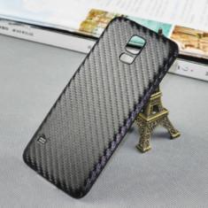 Capac spate NEGRU model CARBON Samsung Galaxy S5 i9600 + folie protectie ecran - Capac baterie