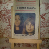 Regine Andry - O femeie singura - Roman