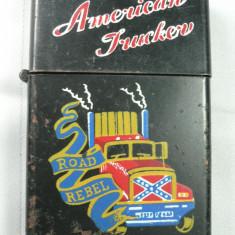 BRICHETA DE COLECTIE - AMERICAN TRUCKER - SOFER AMERICAN - METAL CUPRU - DIMENSIUNI ZIPPO