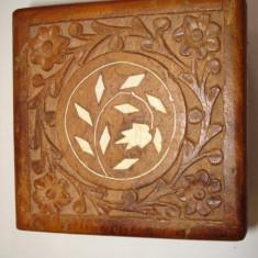 Cutie(caseta ) pentru bijuterii din lemn - sculptata - Cutie Bijuterii