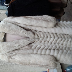 Haina vulpe polara calitate si model DEOSEBITE - haina de blana