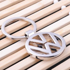 Breloc Auto Volkswagen pentru vw argintiu metalic + cutie simpla cadou