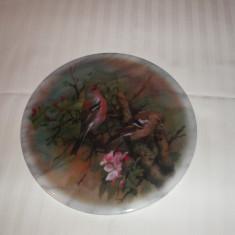 Placa de marmura rotunda decorat cu pasari (pitigoi)