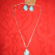 Set lant/ pandant/ cercei, metal argintiu, pietre bleu, NOU